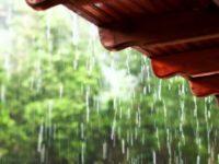 Дождь хлещет