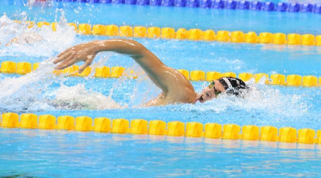 Бокий-пловец